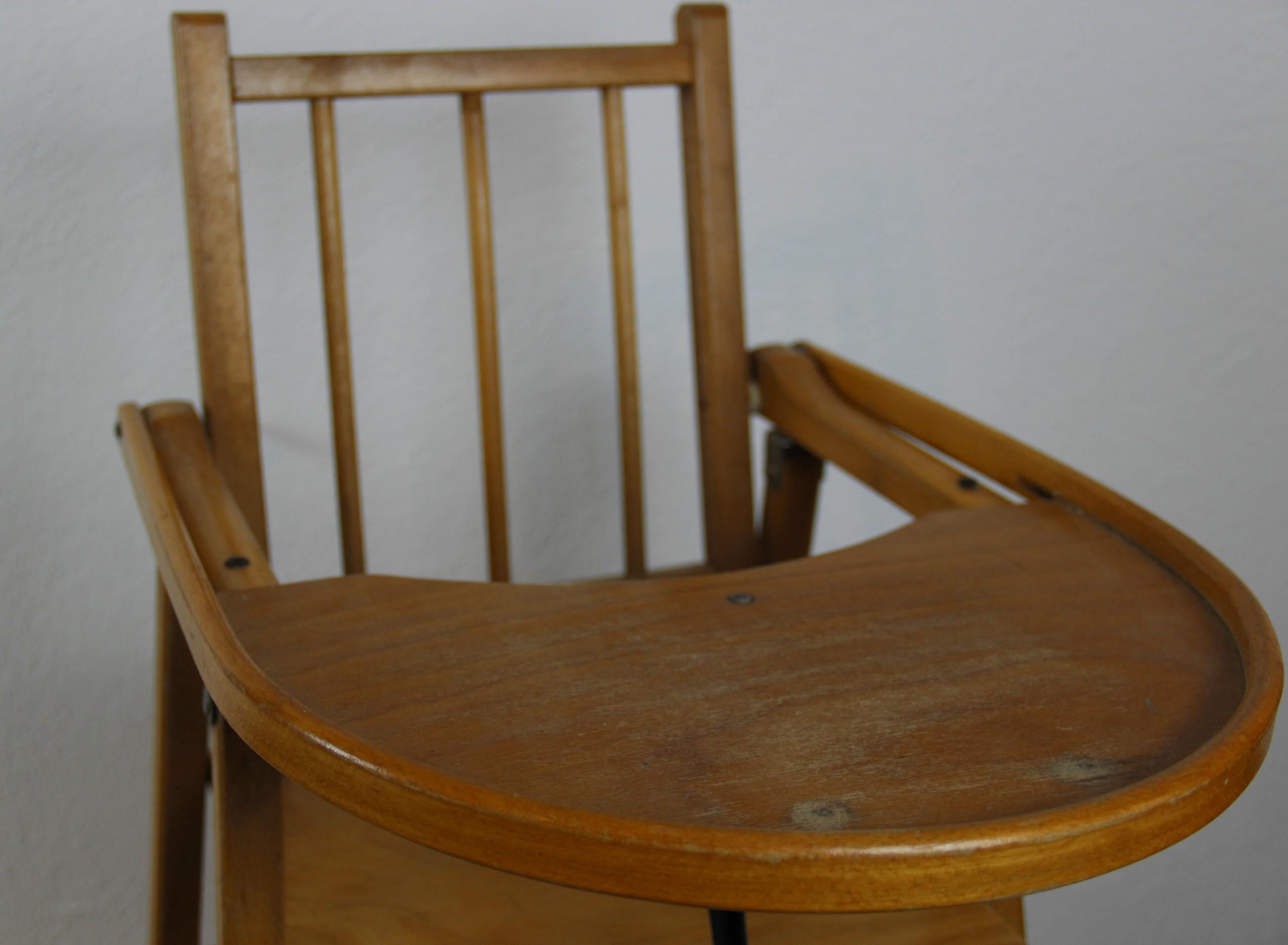Relooker Une Chaise Haute En Bois chaise haute en bois - mon1900